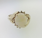 VINTAGE 14k YELLOW GOLD OPAL & DIAMOND LADIES FASHION RING